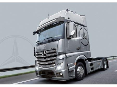 Immagine di Italeri - Camion Mercedes Benz Actros MP4 Gigaspace 1 : 24 (Kit di Montaggio) 3905